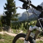 Mountainbiking in einer atemberaubenden Landschaft.