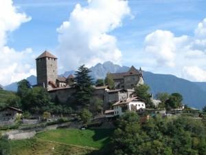 Das Schloss Tirol in Dorf Tirol